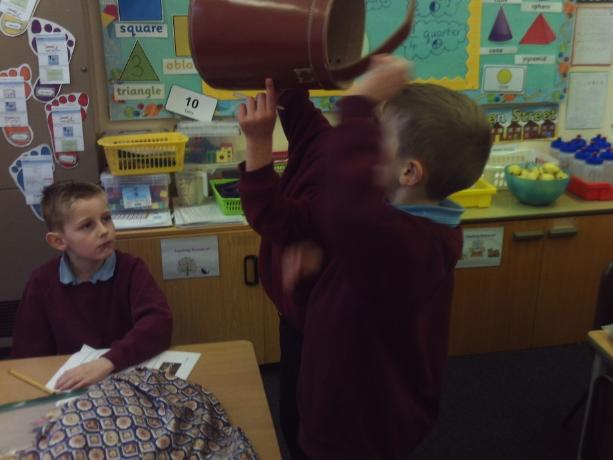 pretending to have water inside the water bucket in style of bucket used furing gfol
